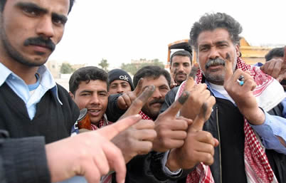 Iraqi_voters_inked_fingers2