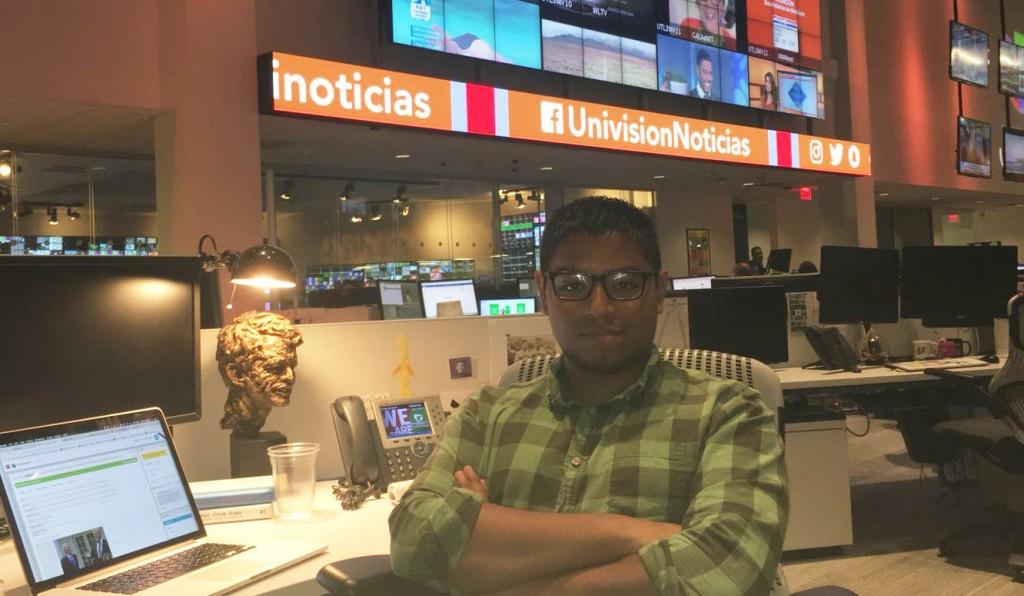 Antonio Cucho en la redacción de Univisión en Estados Unidos.