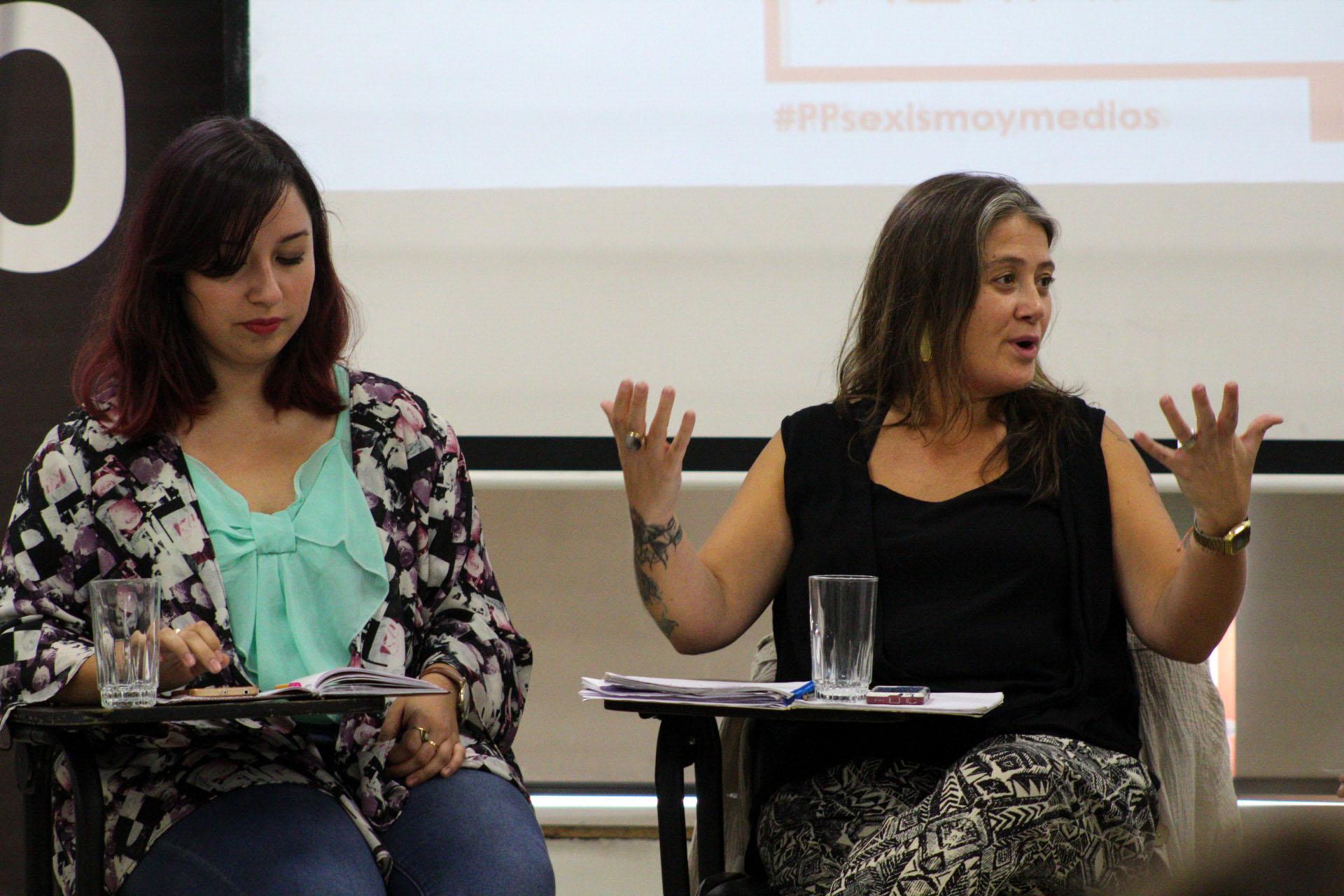 Karen Vergara y Mónica Maureira. Foto: Luciano Candia.