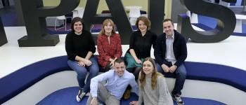 El equipo que hizo posible el interactivo del 8M de El País__LAB. De izquierda a derecha, Nelly Natalí (maquetación), Ana Fernández (diseño), Patricia Gosálvez (redacción), Jacinto Corral (desarrollo). Abajo, Fernando Hernández (diseño) y Laura Díaz (vídeo)