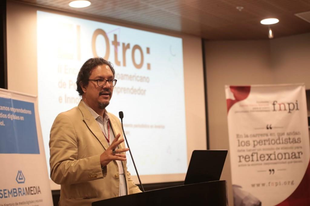 """Ricardo Corredor durante su presentación en """"El Otro"""" en Lima, Perú. Foto: FNPI"""