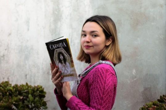 Catalina Fernández, estudiante de periodismo de cuarto año de la Universidad Alberto Hurtado. (Fotografía cedida por Catalina Fernández).